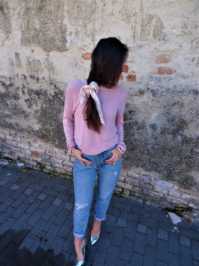Pink svetrík